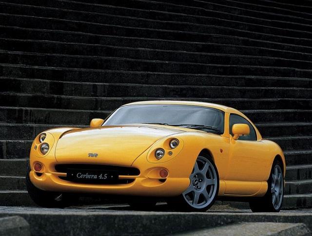 フラットプレーンV8のスーパーカー (4)