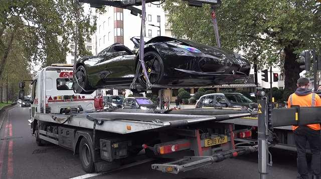 ロンドンフェラーリ458事故 (2)