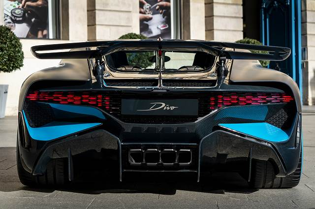 Bugatti-rear (2)