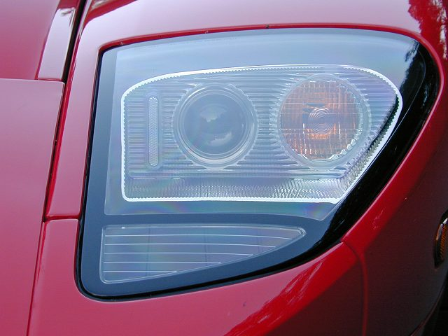 2005-Ford-GT-Headlight58588 (1)