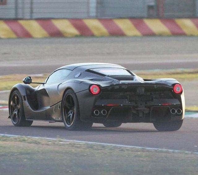 ラフェラーリ後継モデル (4)