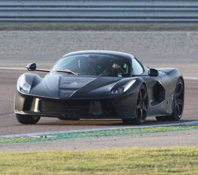 ラフェラーリ後継モデル (1)