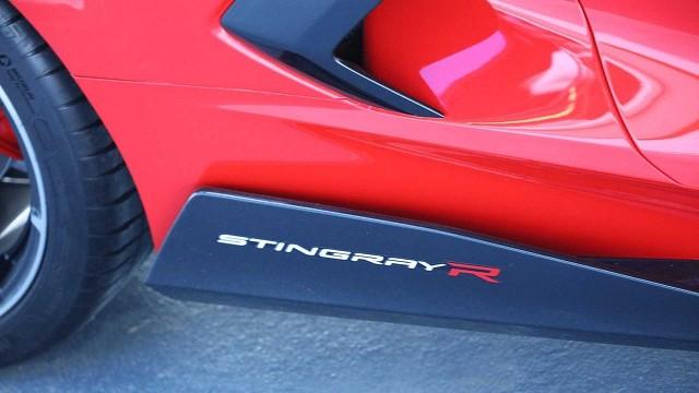 c8-stingray-r (1)