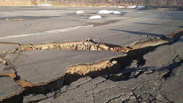 エビスサーキット地震