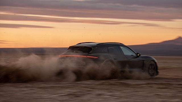 Porsche-Taycan-Cross-Turismo44 (2)