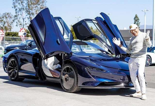 またあの大富豪がマクラーレンスピードテールのエルメス仕様を購入。「H」のロゴが入ってるだけでプラス1億円以上