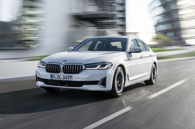 BMW-5-Series 2021-4-2