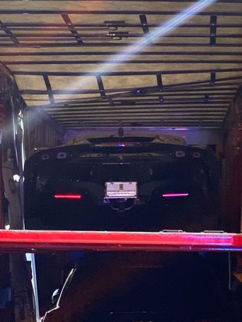 フェラーリSF90ストラダーレを積んだトラックと列車が事故2 2021-4-3