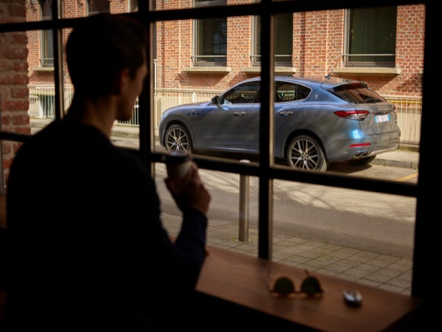 17901-MaseratiLevanteHybrid 2021-4-19