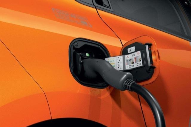 EV所有者の20%がガソリンエンジンに帰ってくる1 2021-5-2