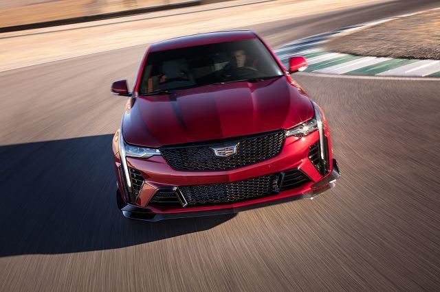 2022-Cadillac-CT4-V-Blackwing-001.jpg