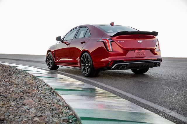 2022-Cadillac-CT4-V-Blackwing-002.jpg