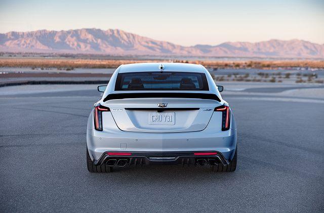 2022-Cadillac-CT5-V-Blackwing-003.jpg