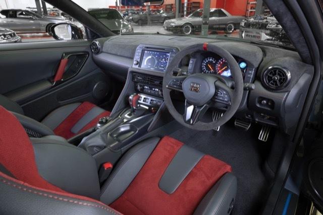 2022-Nissan-GT-R-Nismo-11.jpg