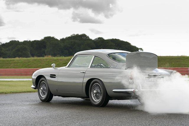 Aston_Martin_DB5_Goldfinger_Continuation09-jpg.jpg