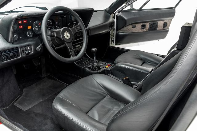 BMW-M1-16.jpg
