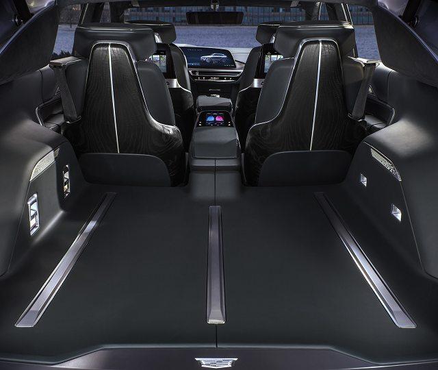 Cadillac-LYRIQ-004.jpg