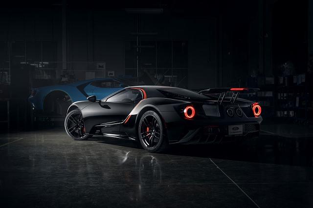 Ford-GT-Studio-Collection-zwart-rood-4.jpg