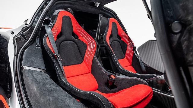 McLaren-Sabre-5.jpg