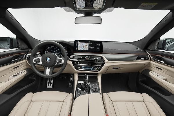 P90389880_lowRes_the-new-bmw-640i-xdr.jpg