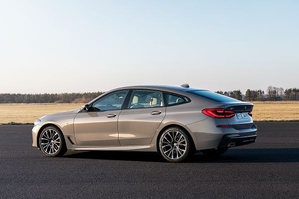 P90389892_lowRes_the-new-bmw-640i-xdr.jpg
