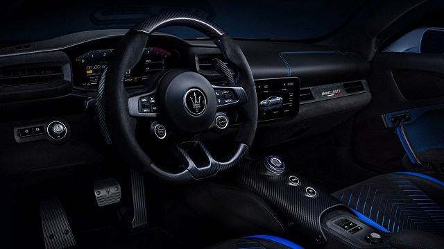 Small-16827-MaseratiMC20-interior.jpg
