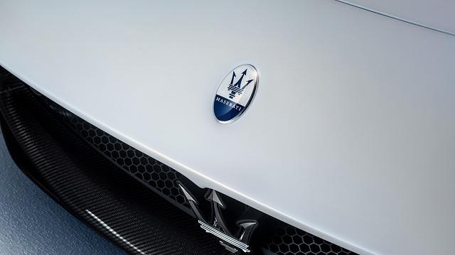 Small-16845-MaseratiMC20.jpg