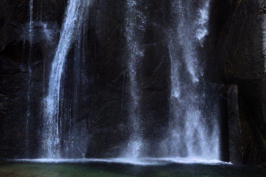 _B302567飛雪の滝take1b