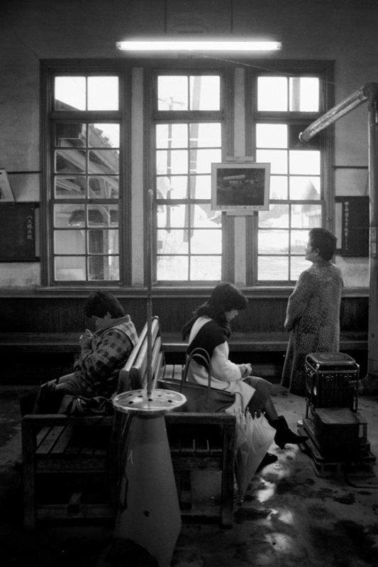 蒲原鉄道 東加茂駅舎内1 1985年1月 16bitAdobeRGB原版 take1b2