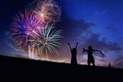 fireworks-804838_1920.jpg