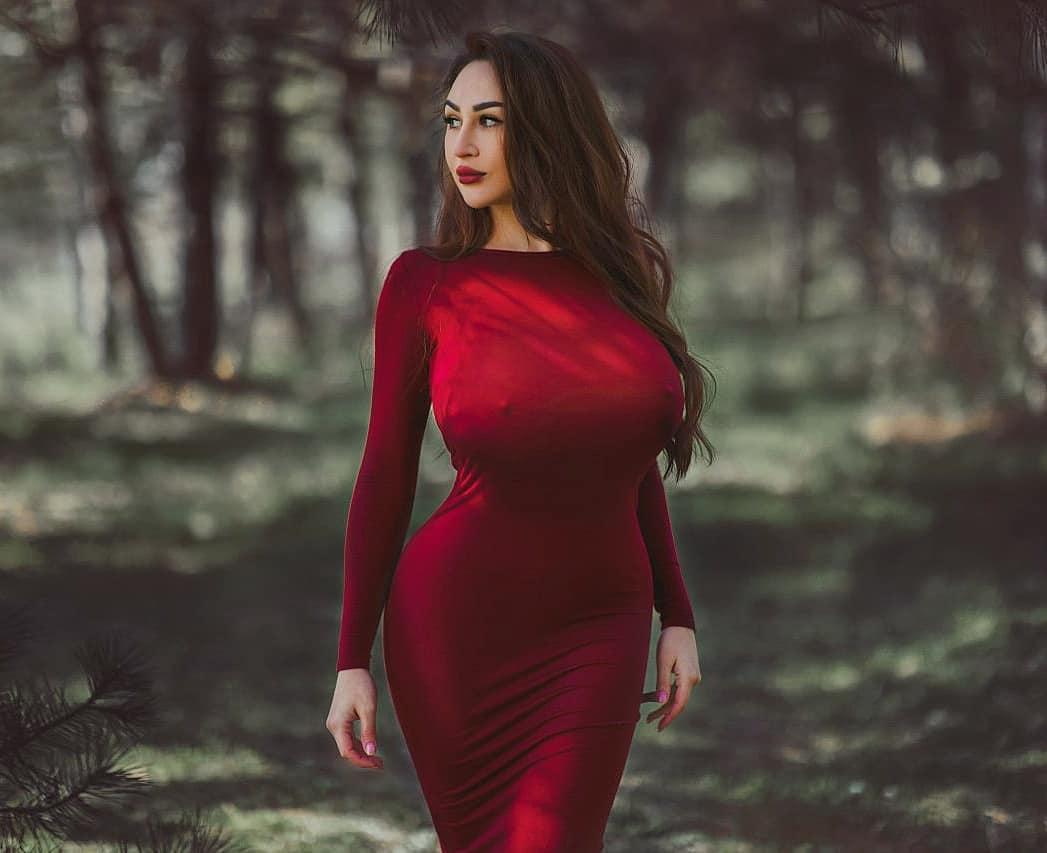 Louisa_Khovanski136.jpg