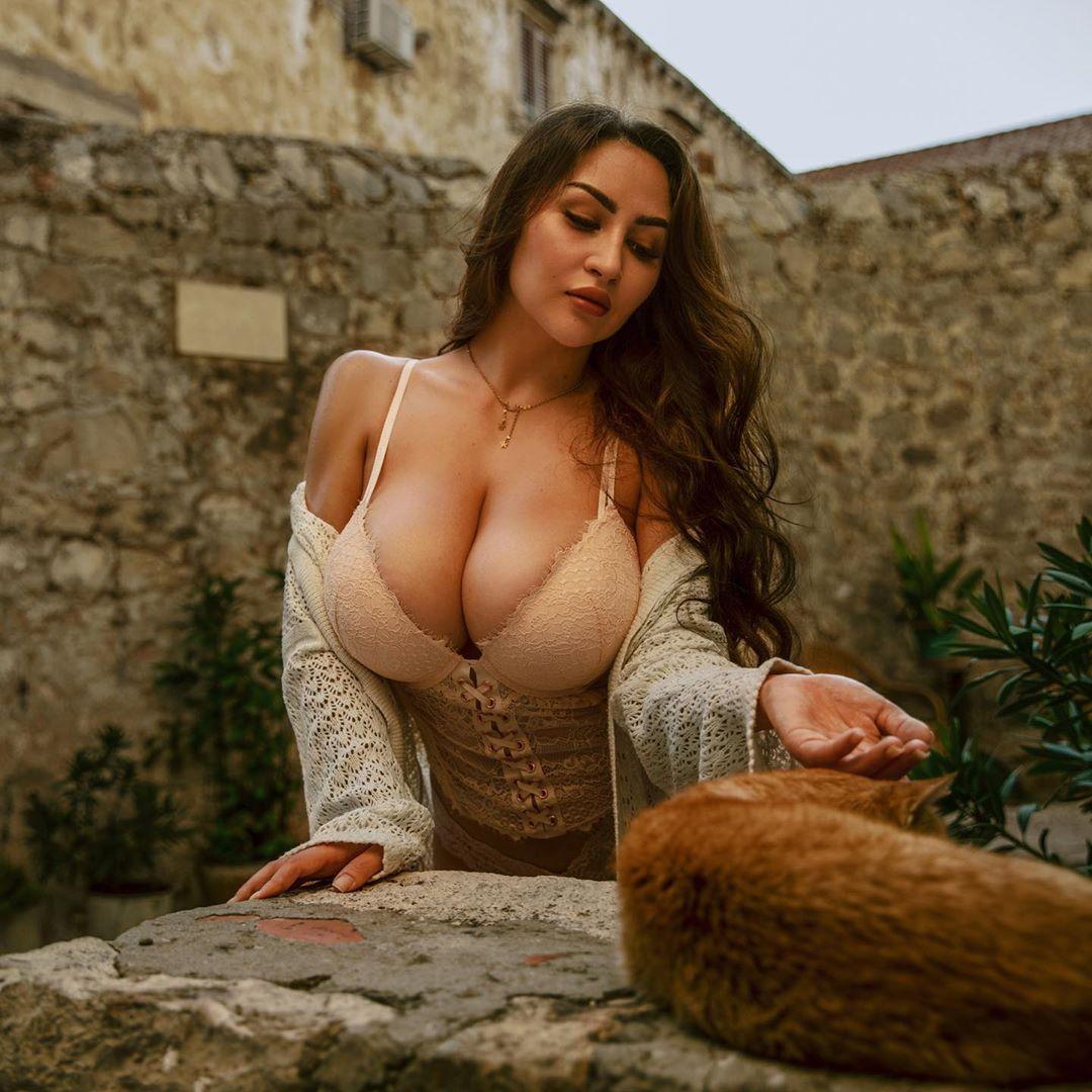 Louisa_Khovanski153.jpg
