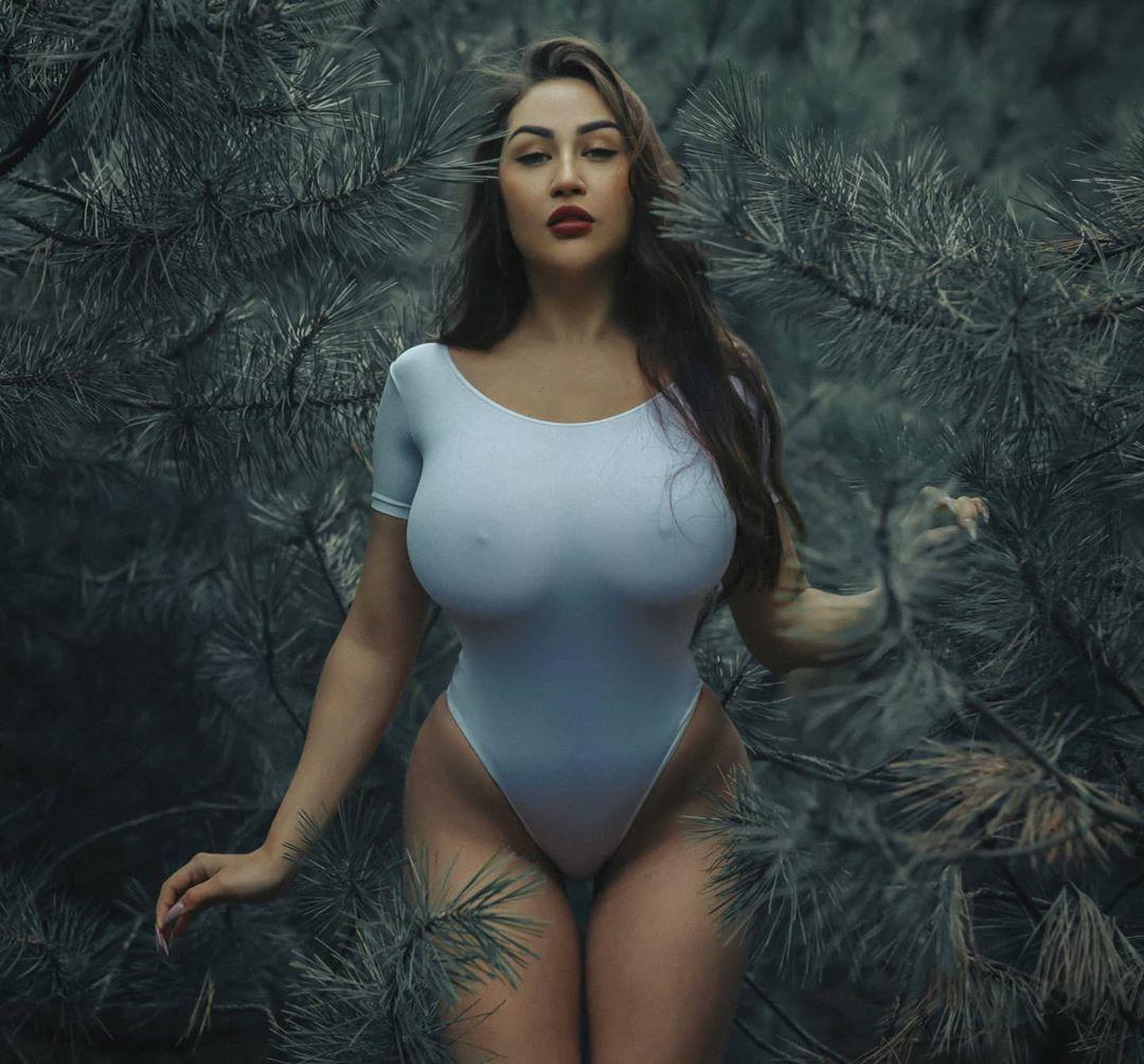 Louisa_Khovanski161.jpg