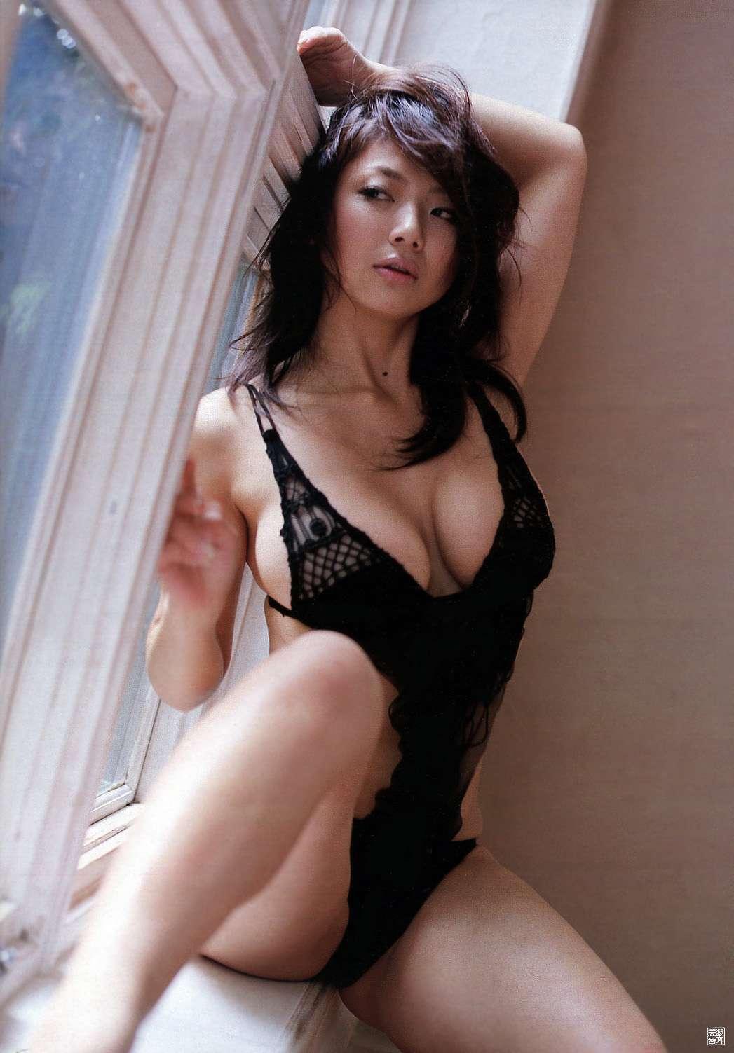 aizawa_hitomi198.jpg