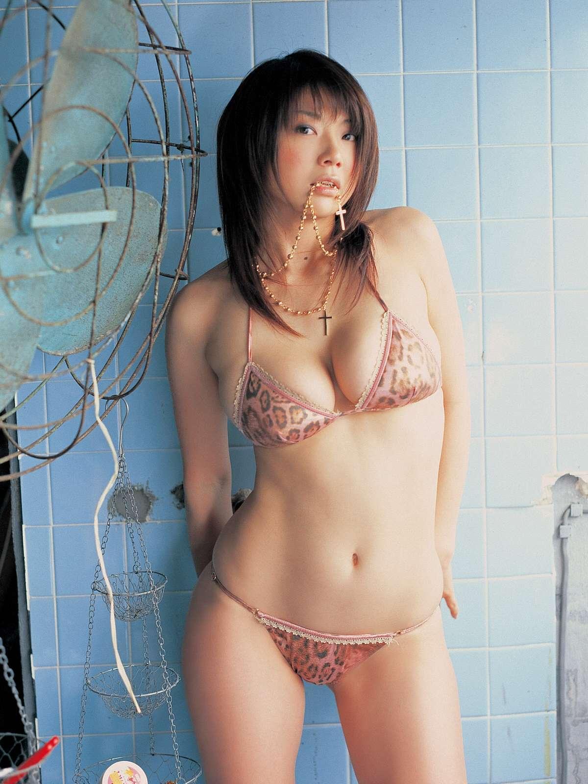aizawa_hitomi220.jpg