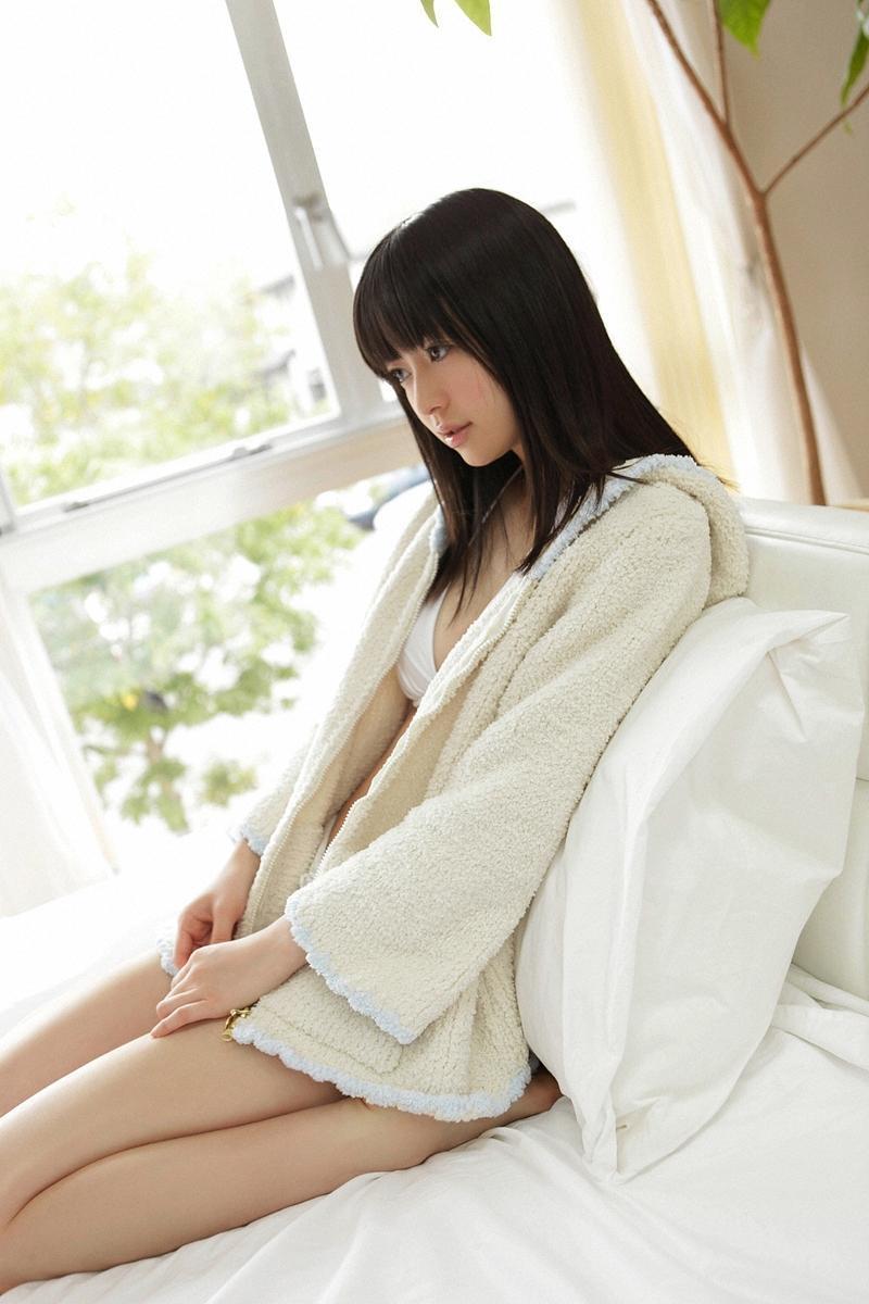 aizawa_rina080.jpg