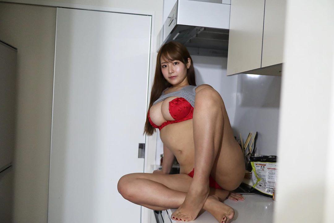 akiyama_kaho085.jpg