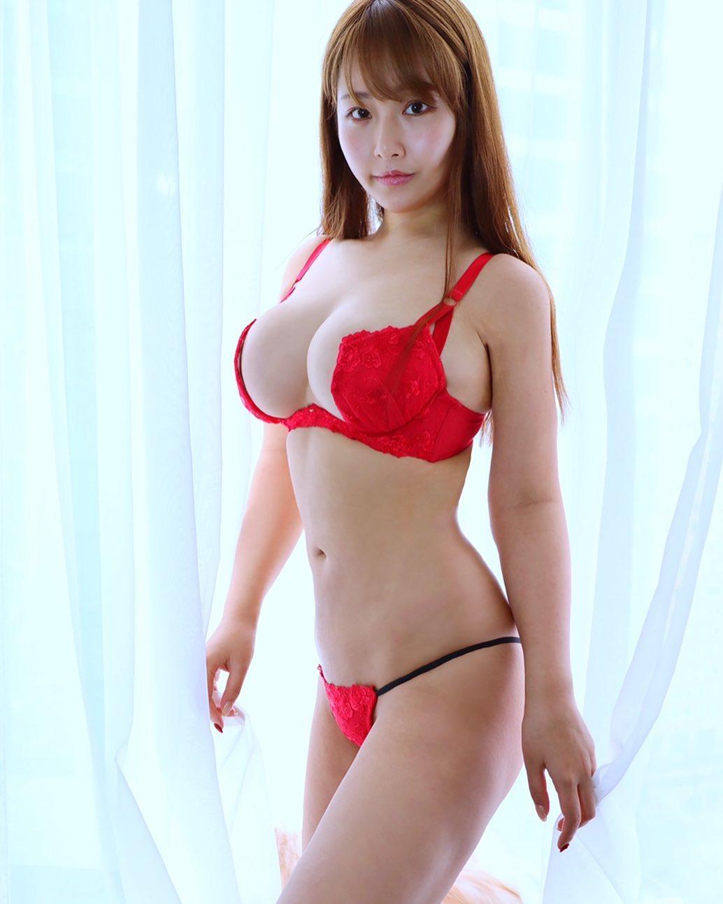 akiyama_kaho092.jpg