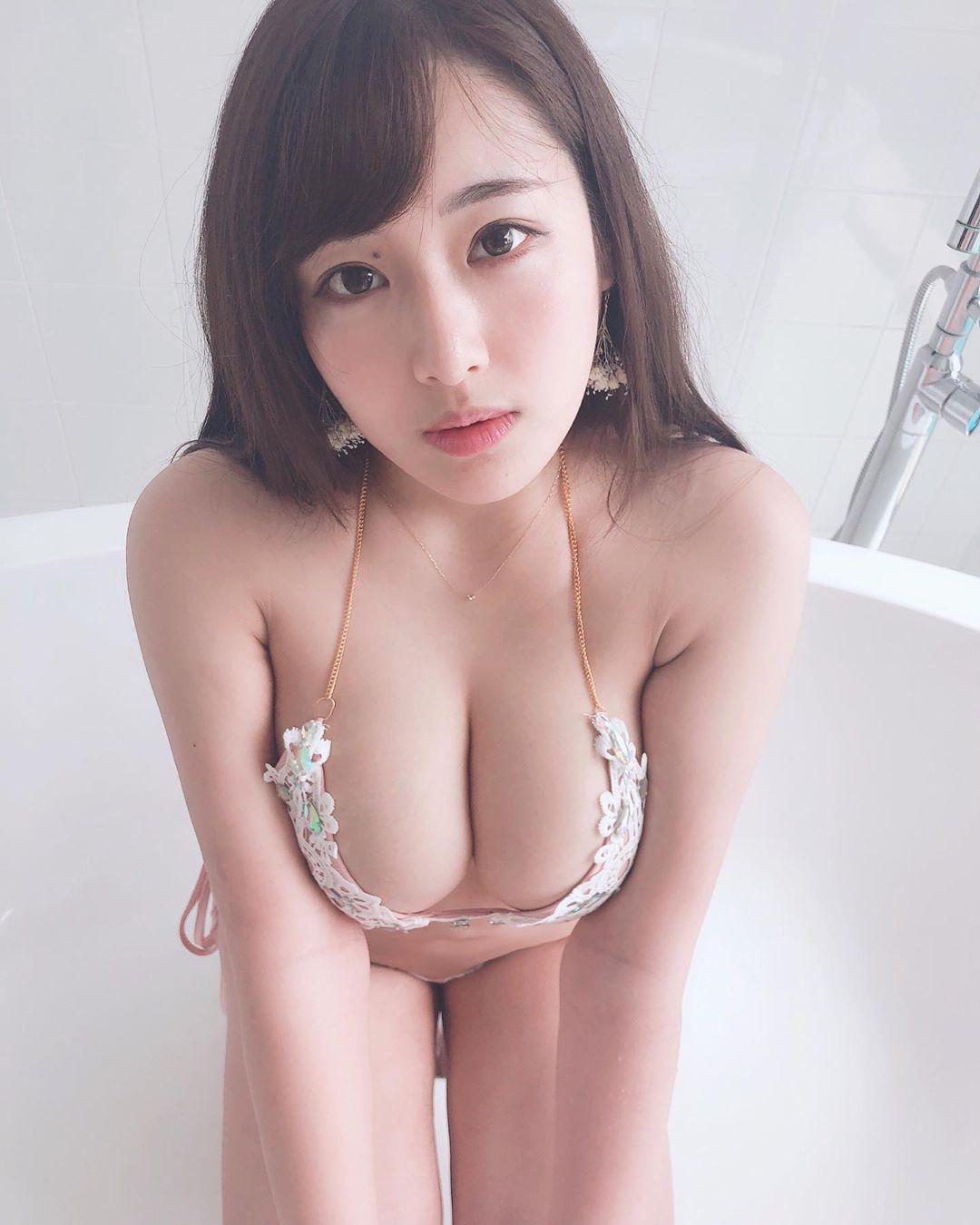 akiyama_kaho159.jpg