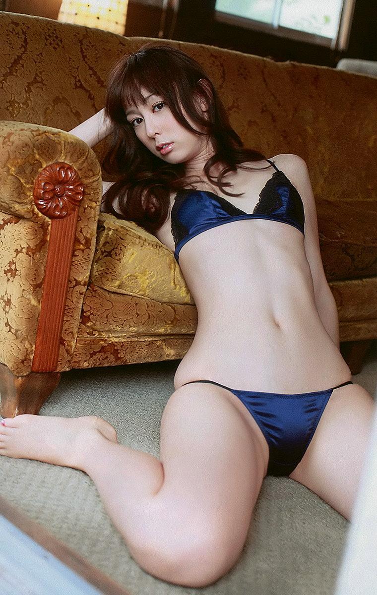 akiyama_rina173.jpg