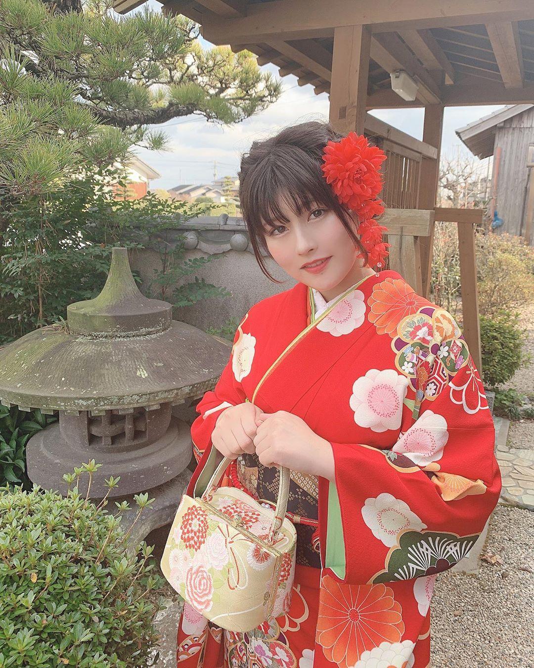 chitose_yoshino002.jpg