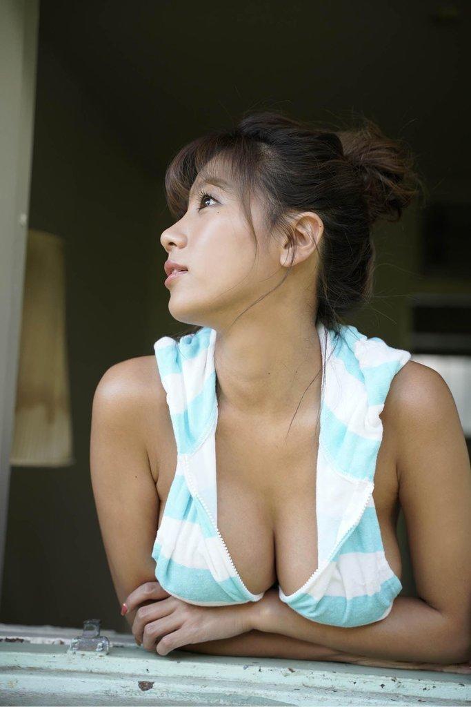 hazuki_aya140.jpg
