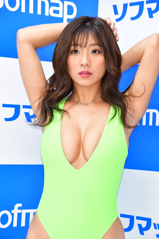 hazuki_aya158.jpg