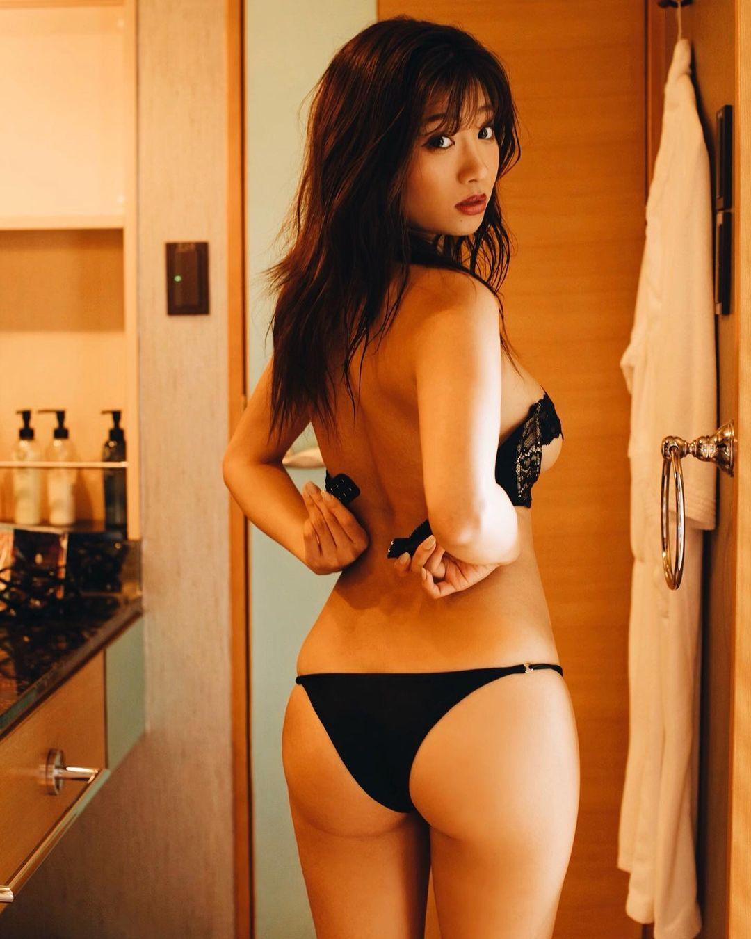 hazuki_aya214.jpg