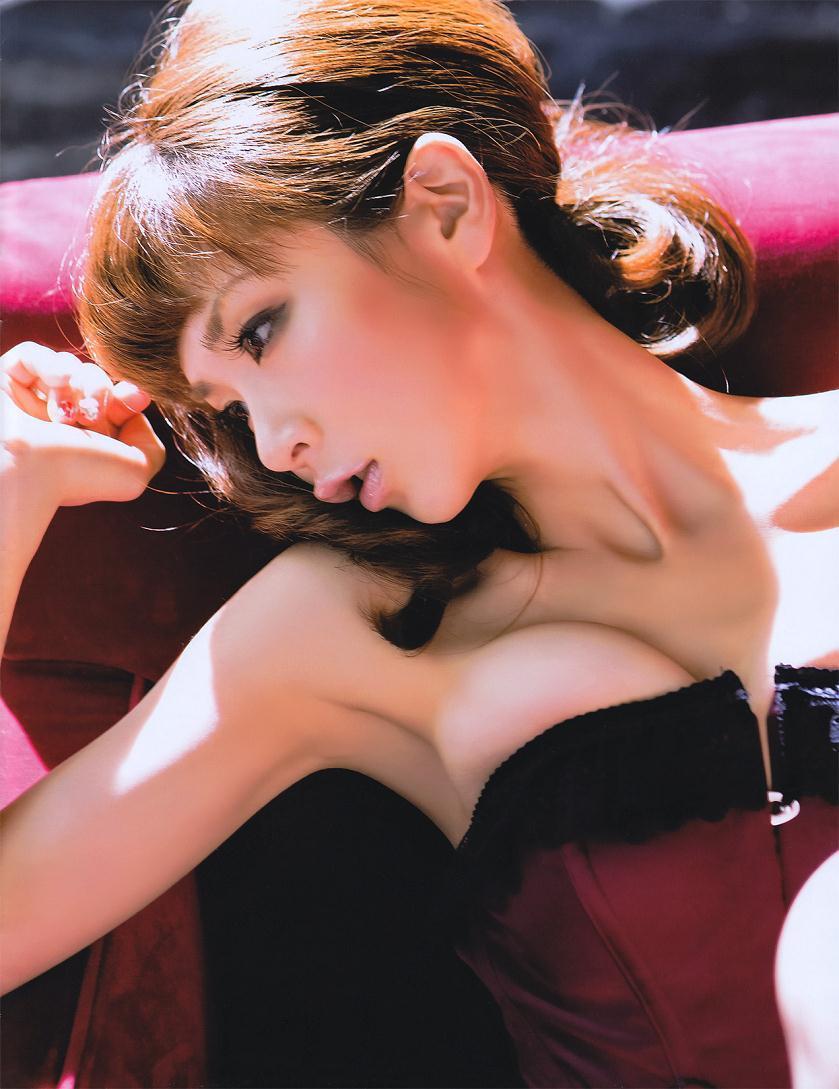 hoshino_aki128.jpg