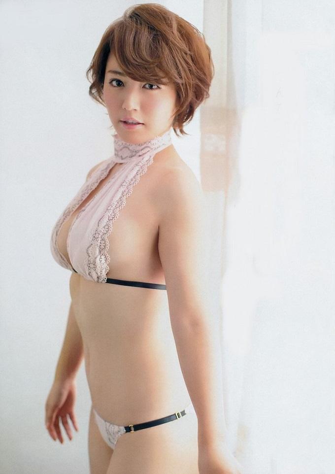 isoyama_sayaka180.jpg