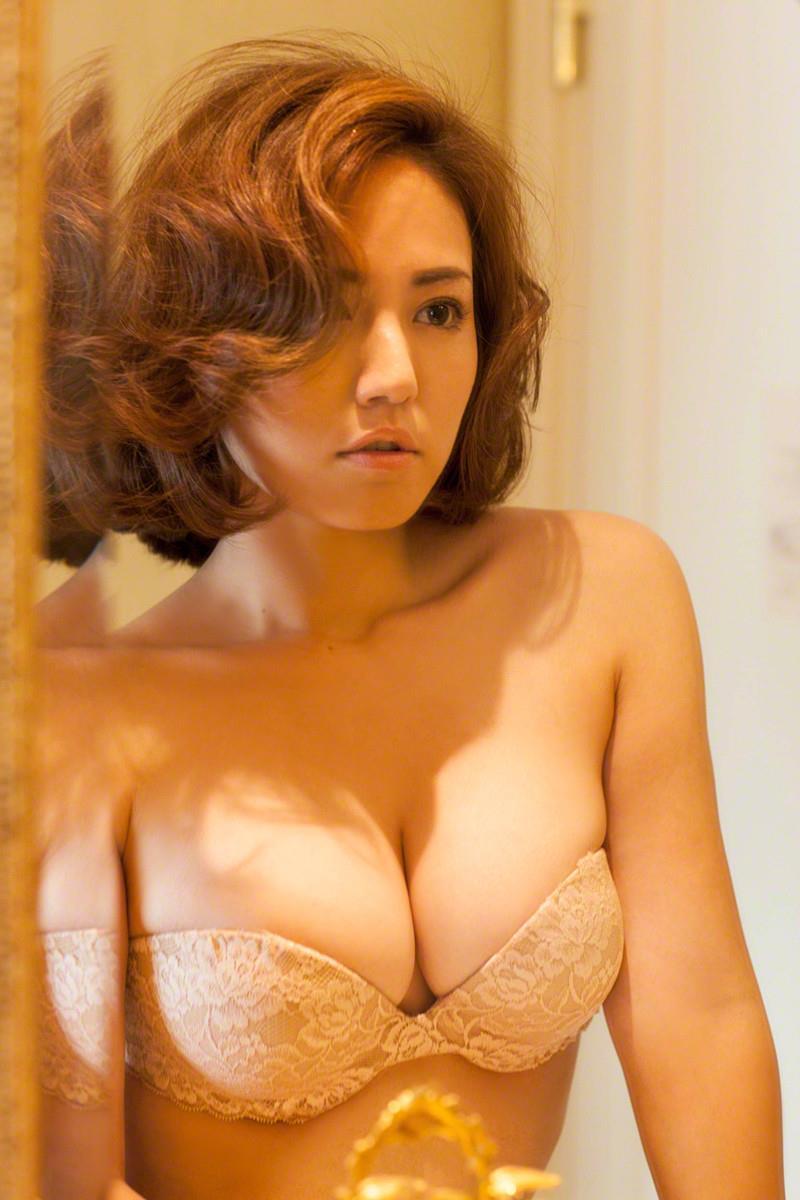 isoyama_sayaka191.jpg