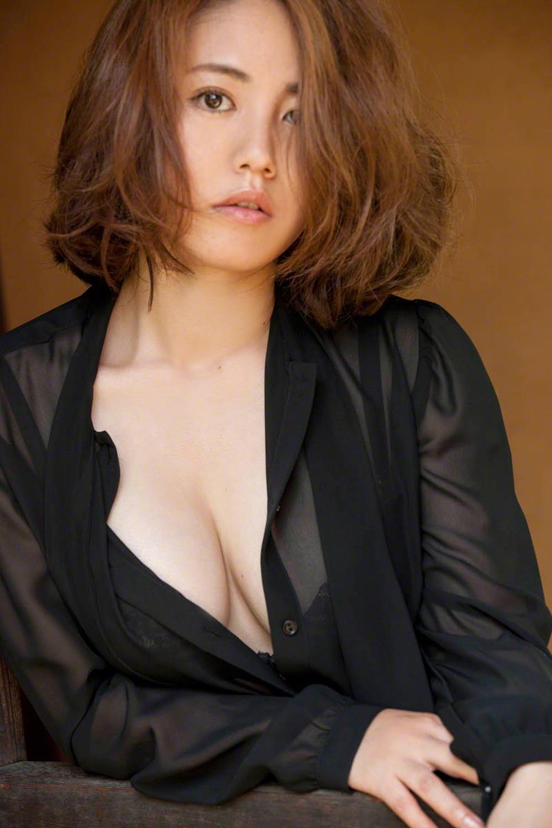 isoyama_sayaka193.jpg