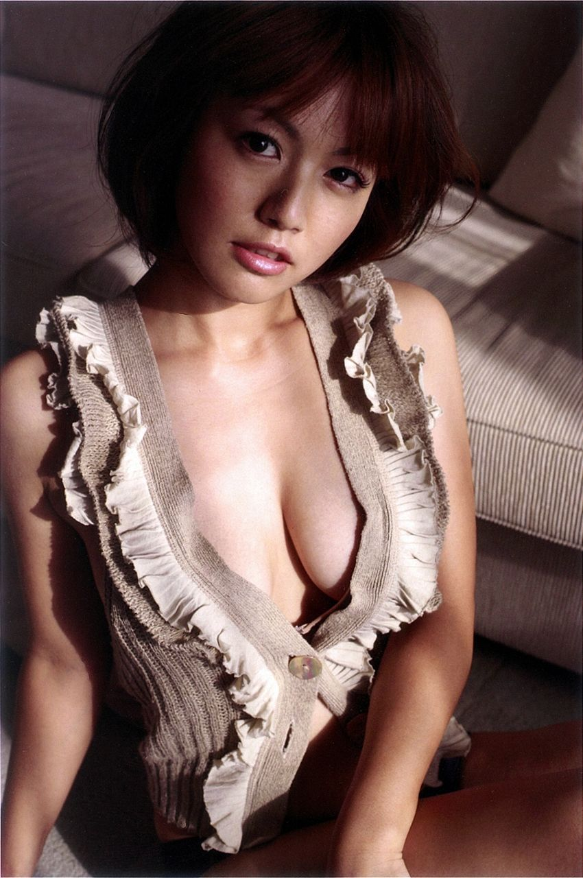 isoyama_sayaka209.jpg
