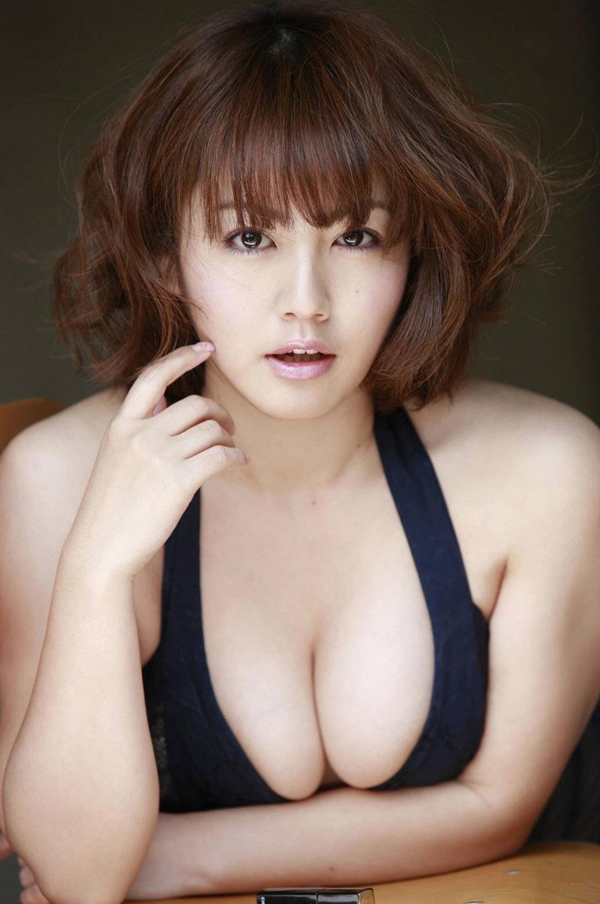 isoyama_sayaka228.jpg